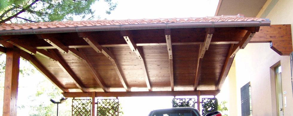 Strutture in legno carport in legno tettoie in legno for Carport 2 posti